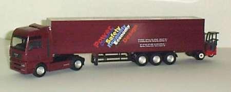 TGL 41 mit Containeraulieger und Moffetstapler