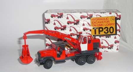 TP 30 mit Greifer auf Lastkraftwagen