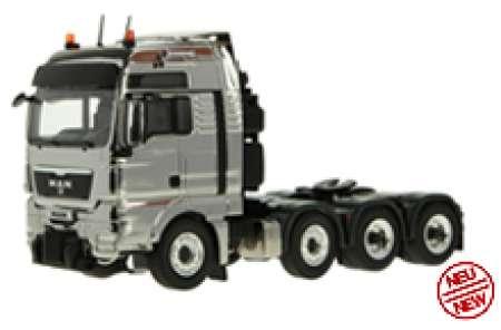 TGX 8x4 Schwerlastzugmaschine in chrom