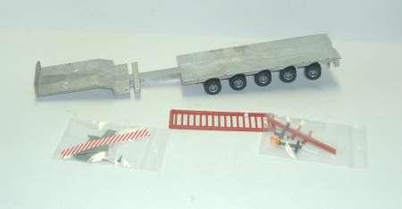 Satteltieflader 5achs hinten Bausatz/Kit ohne Rampen  ohne Farbe