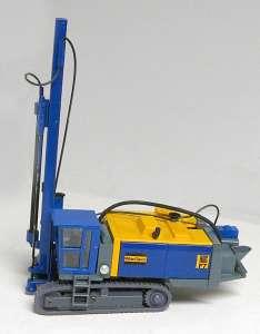 Bohrgerät Roc F 7 -bauer KG- verbesserte Version mit schwenkbarer Kabine in gelb-blau (Eigenbau/Self-'s building)