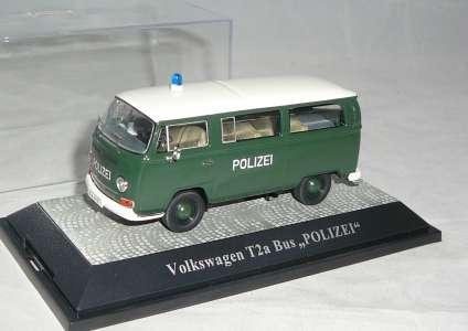 T2-a Komi -Polizei- in dunkelgrün