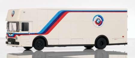 Benz Renntransporter -BMW-Motorsport- in weiß-blau