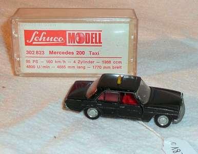 200 806 Taxi 95 PS 160 km/h in schwarz -se altes Modell Produktionsbedingte Lackschäden- Schuco Piccolo