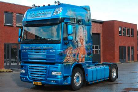 XF 105 Super Space Cab -J.M. Braam Transport-