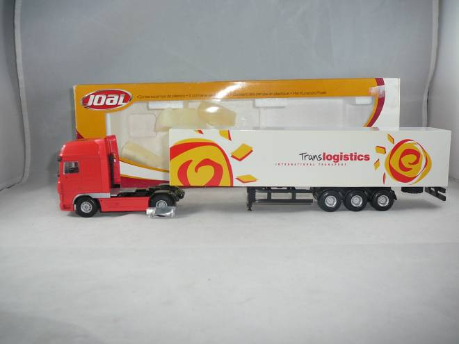 XF105 truck with trailer
