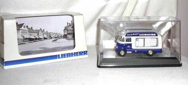 L 319  Retro Bus  historisches Modell