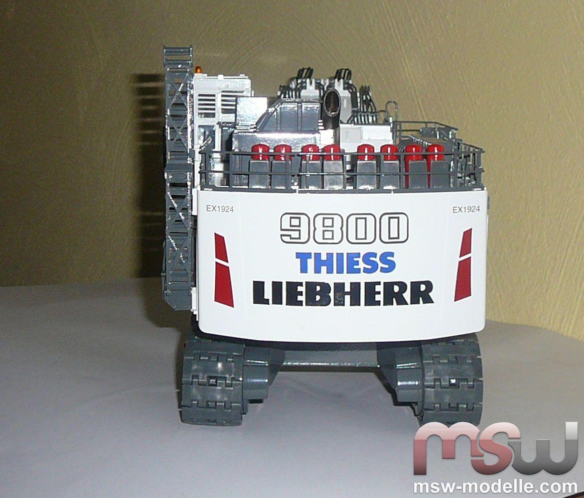 Model Conrad Liebherr R 9800 mit Tieflöffel Tracked