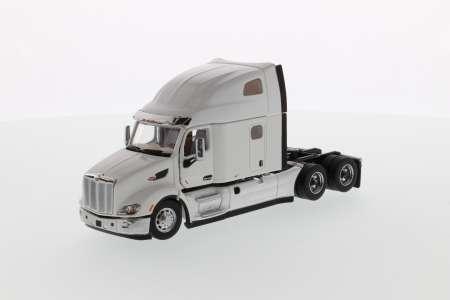 579 UltraLoft Tractor - White cab