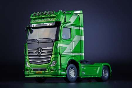 Benz Actros Gigaspace 4x2 Editie 1