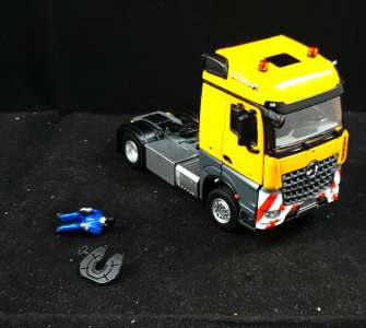Benz Arocs 4x2 0272