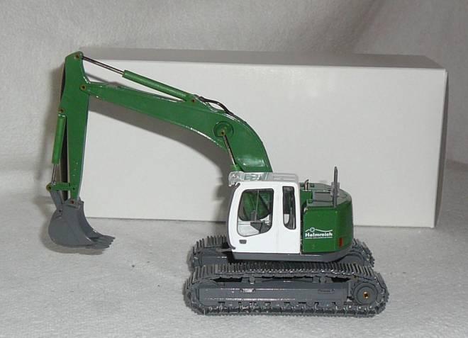 R 924