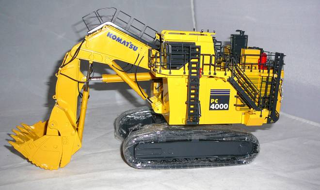 PC4000  mit Hochlöffel