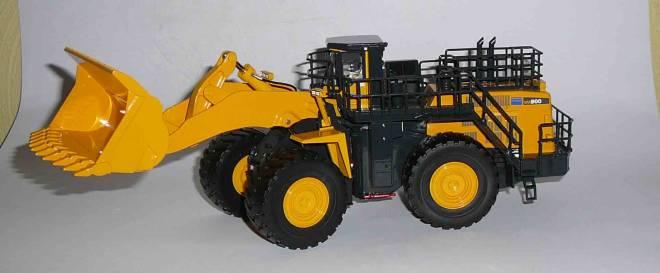 WA900-3