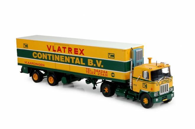 F700 met 2-assige ribbelbak trailer