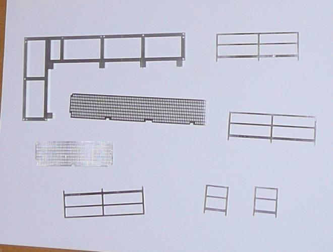 Rhamen mit  Geländer und Laufsteg einzeln aus Metall