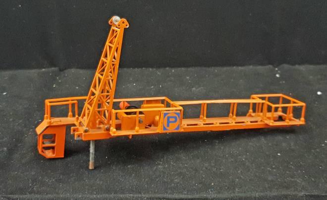 Fahrerkabine orange  mit gegenausleger -