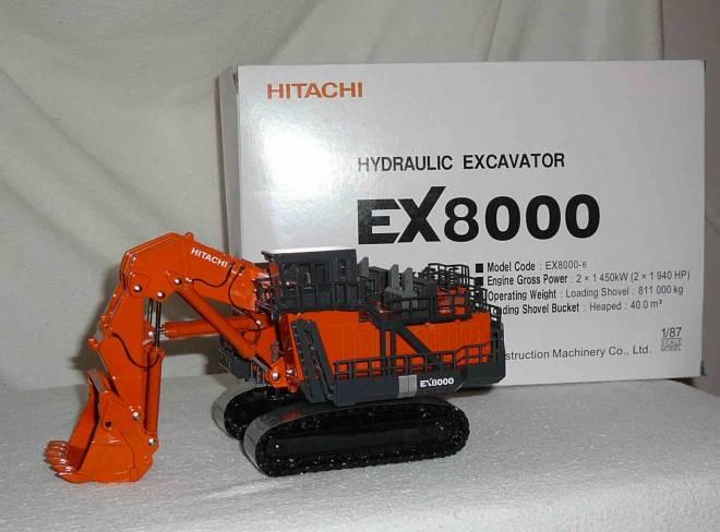 EX 8000-6 mit Hochlöffel