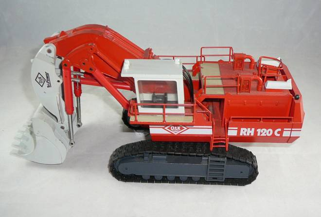 RH 120 C mit Hochlöffel