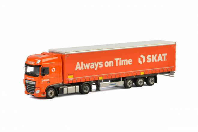 XF Super Space Cab Curtainside Trailer - 3 achs