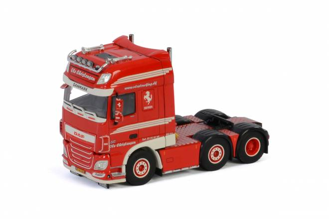 XF SUPER SPACE CAB 6X2 TWINSTEER