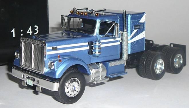 Road Boss, metallic-hellblau/ weiss 1977