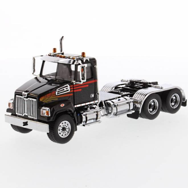 4700 SF Tandem Truck black