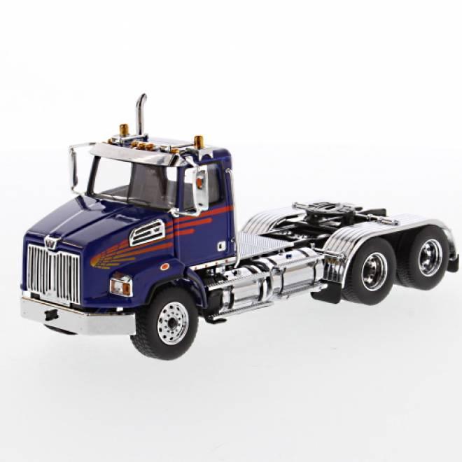 4700 SB Tandem Truck blue