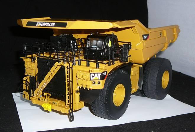 797F Mining Truck - Tier 4
