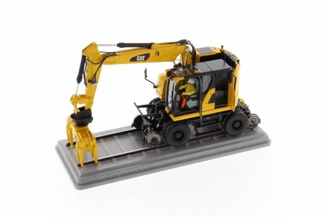 M323F Railroad Wheeled Excavator Safety Yellow