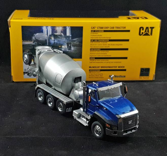 CT660 Day Cab Tractor w/ Metal Cement Mixer