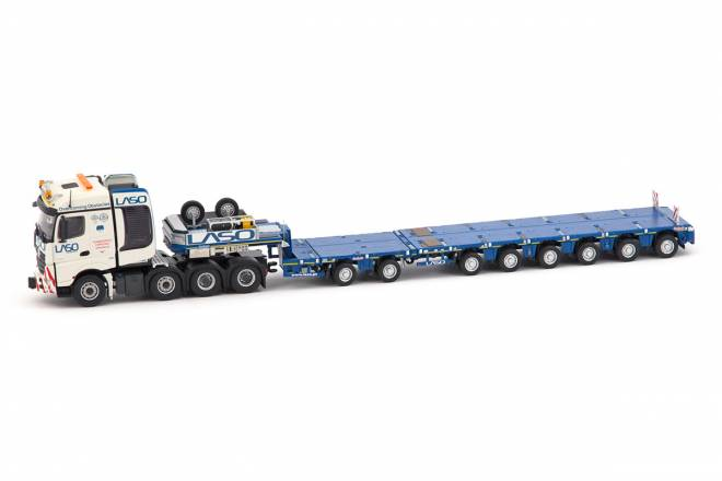 Benz Arocs BigSpace 8x4 mit Nooteboom MCO-PX
