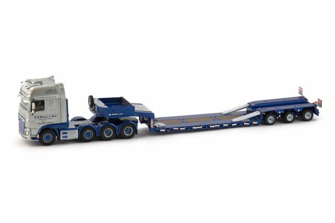 XF SSC Euro6 8x4 wiht Goldhofer 3 axle low loader