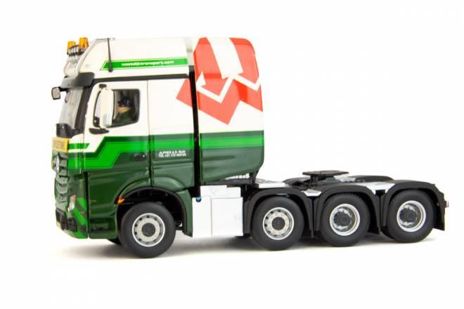 Actros 8x4 heavy Duty Truck