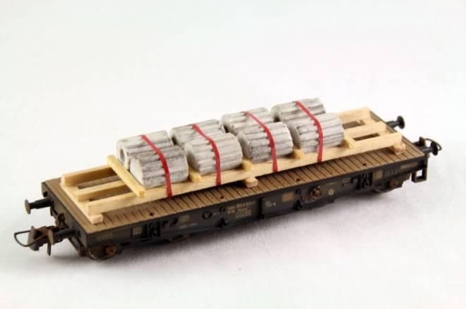 Marmorsäulen auf Holzladegestell Länge: 100 mm