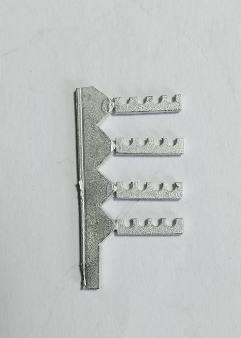 Vierfachrohrhalterungen aus Metall (ca. 24 Halterungen)
