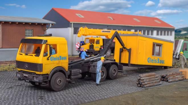 LP Wechsellader mit GleisBau Bürocontainer