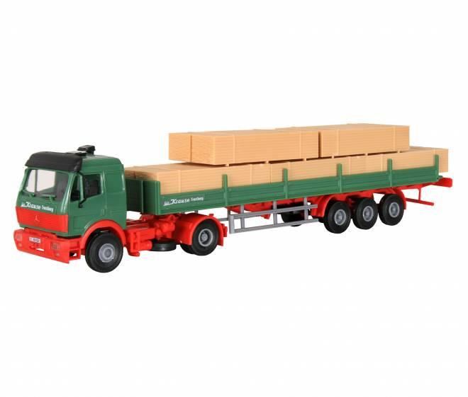 SK Zugmaschine mit Auflieger und Holzladung