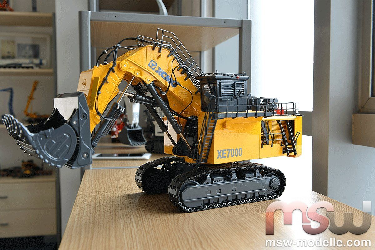 XCMG Tracked earthmover 1:50 - XE7000 mit Hochlöffel China 48053